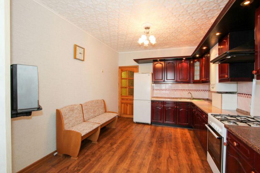 Продается четырехкомнатная квартира за 6 400 000 рублей. Калининградская область, Калининград,  район, Маршала Баграмяна, 20.