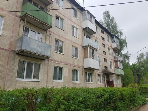 Продается двухкомнатная квартира за 1 550 000 рублей. Московская обл, г Дмитров, село Рогачево, ул Мира, д 13.