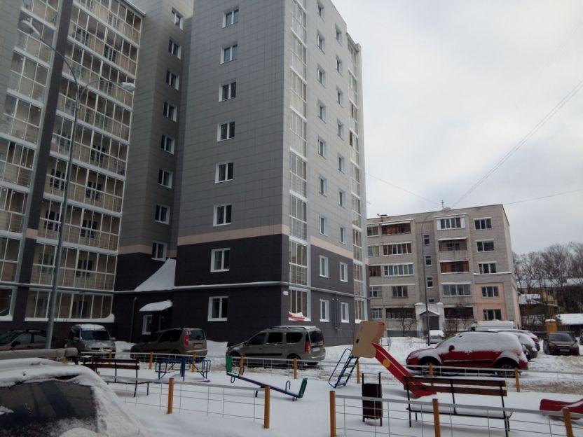Продается однокомнатная квартира за 2 120 000 рублей. Тверь, Заволжский район, Металлистов 2-я, 6.