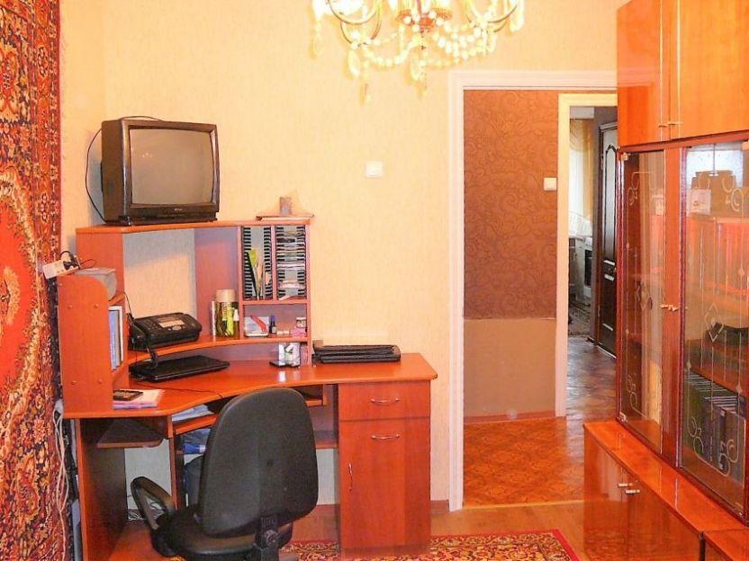 Продается четырехкомнатная квартира за 3 150 000 рублей. г Саратов, ул Геофизическая, д 31/45.