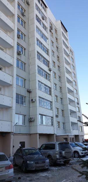 Продается четырехкомнатная квартира за 8 100 000 рублей. Челябинск, Центральный район, Лесопарковая, 23.