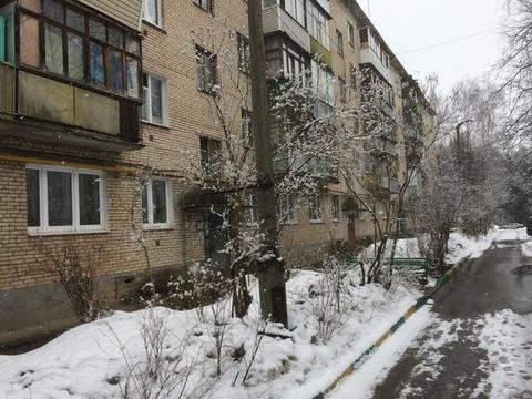 Продается двухкомнатная квартира за 2 650 000 рублей. Правдинский, Лесная, 19.