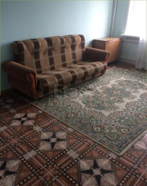 Продается трехкомнатная квартира за 2 400 000 рублей. Барнаул, Ленинский район, Гущина, 160.