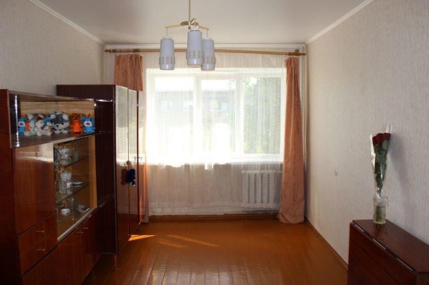 Продается двухкомнатная квартира за 2 300 000 рублей. г Саратов, ул Провиантская, д 16.