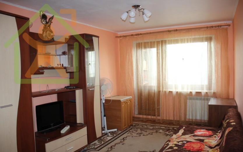 Продается двухкомнатная квартира за 2 530 000 рублей. Кемерово, Центральный район, Красная, 10.
