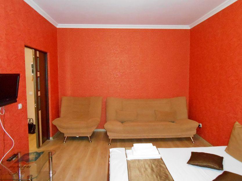 Продается однокомнатная квартира за 2 500 000 рублей. Курск, Карла Либкнехта, 20.