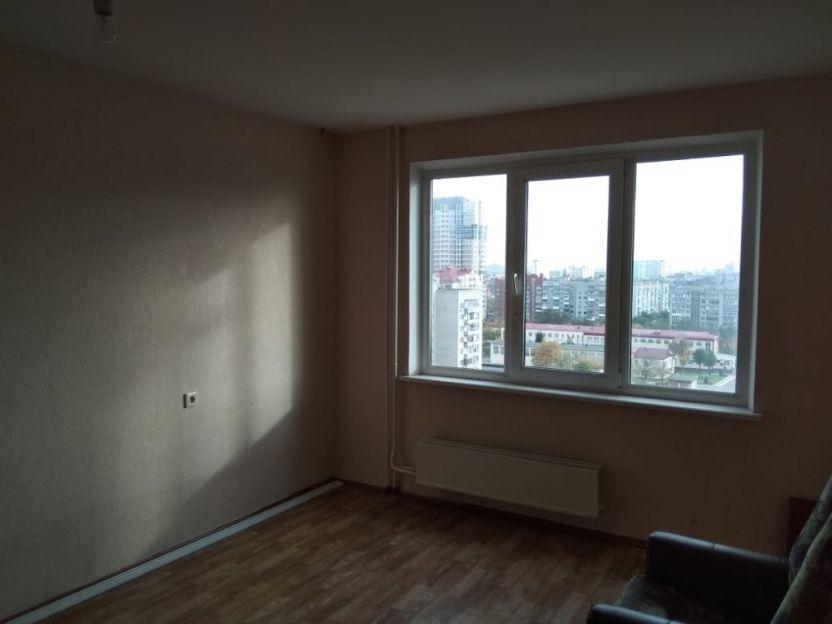 Продается однокомнатная квартира за 2 300 000 рублей. Краснодар, Центральный, им 40-летия Победы, 33/6.