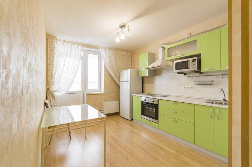 Продается однокомнатная квартира за 2 490 000 рублей. Екатеринбург, Октябрьский район, Яскина, 12.