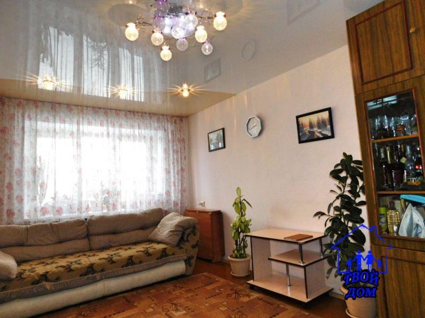 Продается двухкомнатная квартира за 2 600 000 рублей. Новосибирск, Калининский район, Макаренко, 29.