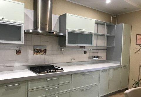 Продается двухкомнатная квартира за 4 650 000 рублей. Саратовская обл, г Энгельс, ул Саратовская, д 13.