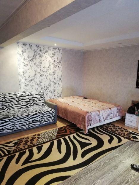 Продается двухкомнатная квартира за 2 600 000 рублей. Красноярск, Свердловский район, Королева, 1.