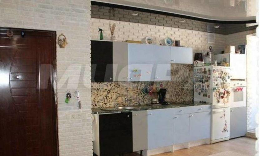 Продается трехкомнатная квартира за 4 085 000 рублей. Омск, Кировский район, Транссибирская, 6 корп. 2.