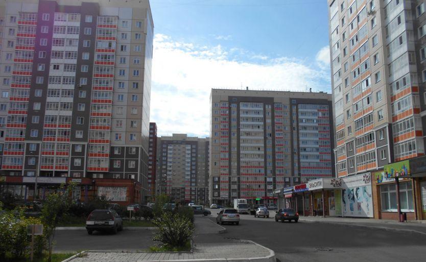 Продается четырехкомнатная квартира за 4 950 000 рублей. Красноярск, Центральный район, Покровский 3-й микрорайон, 6а.