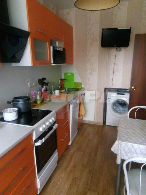 Продается трехкомнатная квартира за 3 600 000 рублей. Омск, Октябрьский район, Космический проспект, 22 корп. 2.