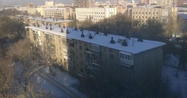 Продается двухкомнатная квартира за 1 750 000 рублей. Челябинск, Советский район, Елькина, 94.