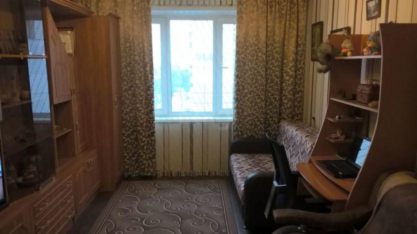 Продается однокомнатная квартира за 850 000 рублей. Кемерово, Кировский район, Халтурина, 23.