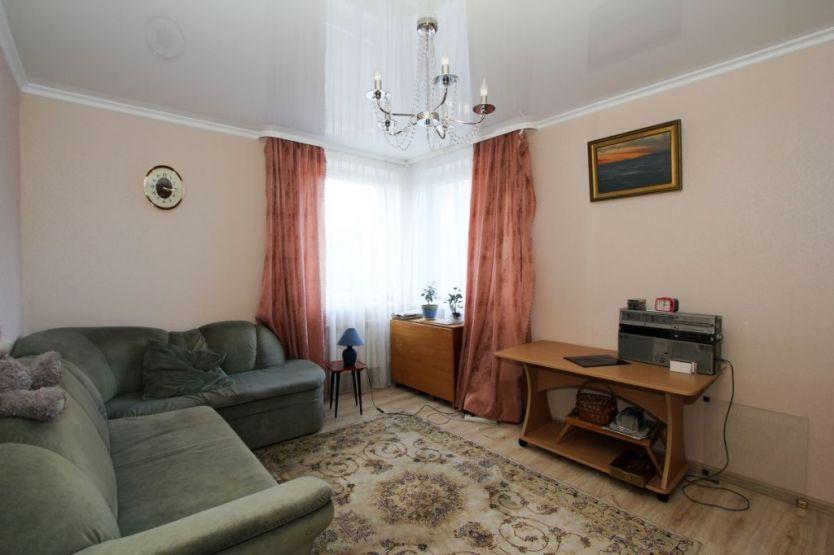 Продается четырехкомнатная квартира за 5 600 000 рублей. Калининград, Центральный район, Коммунальная, 67.