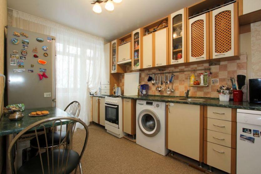 Продается двухкомнатная квартира за 2 590 000 рублей. Калининград, Московский район, Тихорецкая, 14а.