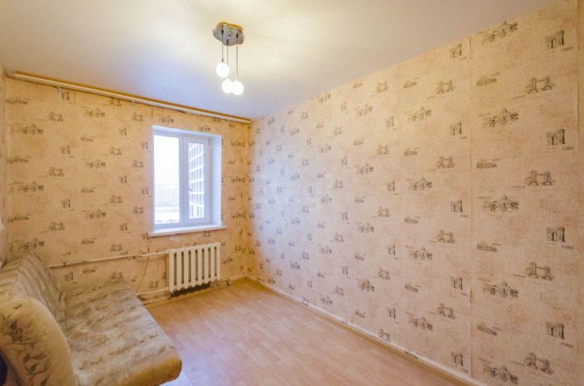 Продается однокомнатная квартира за 950 000 рублей. Екатеринбург, Чкаловский район, Прониной, 32.