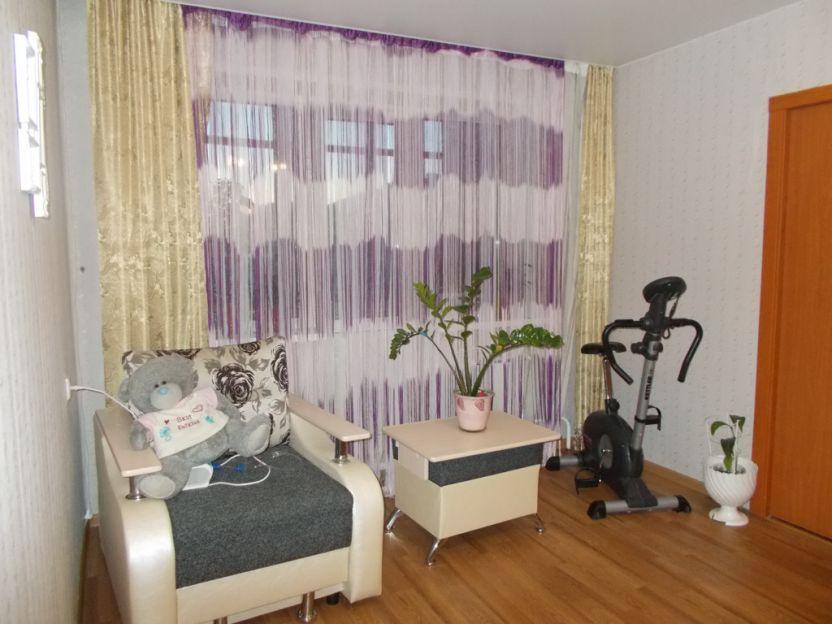 Продается однокомнатная квартира за 2 400 000 рублей. г Красноярск, ул Сергея Лазо, д 6.